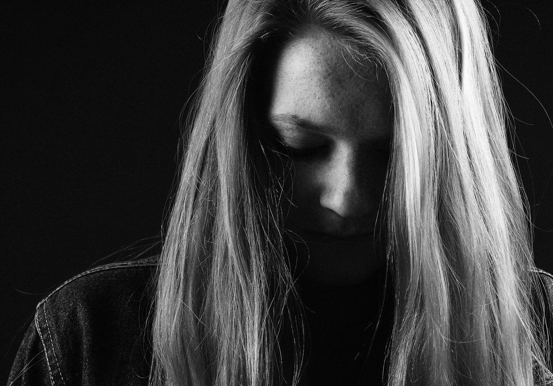családtag elvesztése utáni szomorúság